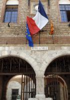 Perpignan. Rassemblement devant l'entrée du conseil municipal