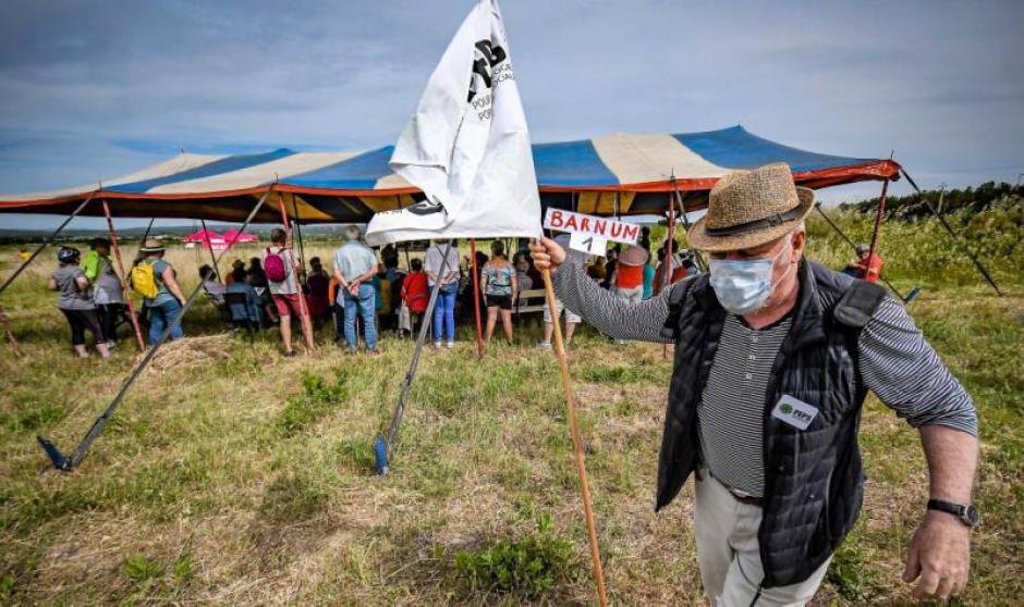 Mobilisation. Ils disent non aux projets d'implantation d'Amazon (L'Indep)