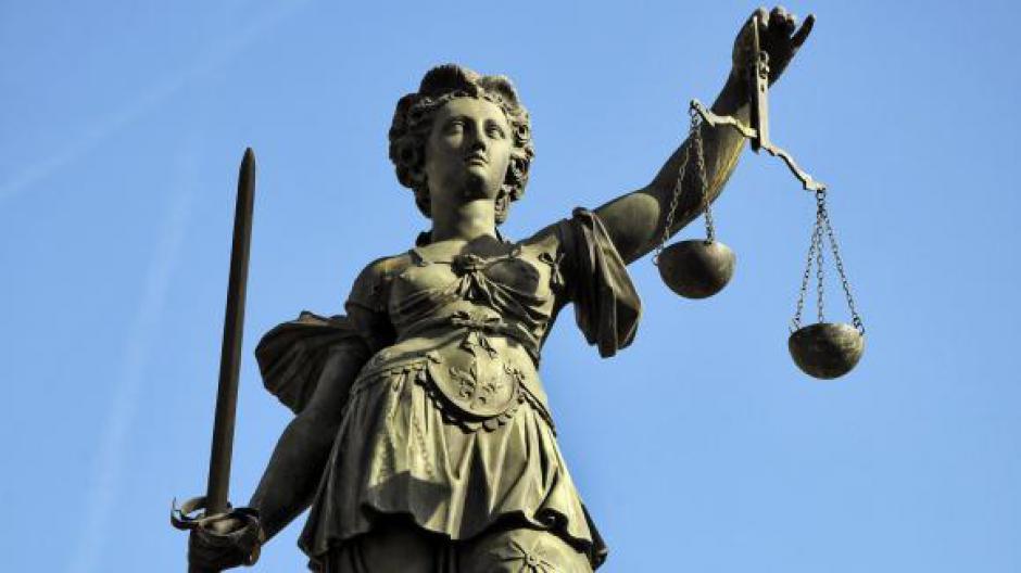Steve à Nantes, Geneviève à Nice, Zined à Marseille… Le peuple interdit de justice