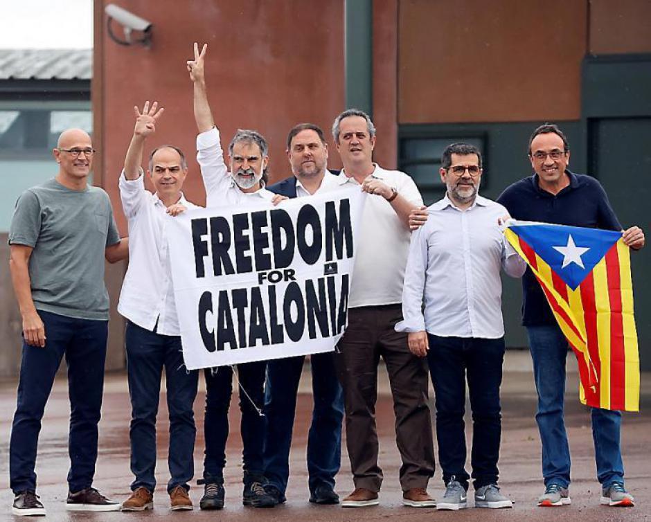Catalogne. Les indépendantistes graciés et libres, quid de Puigdemont (L'Indep)