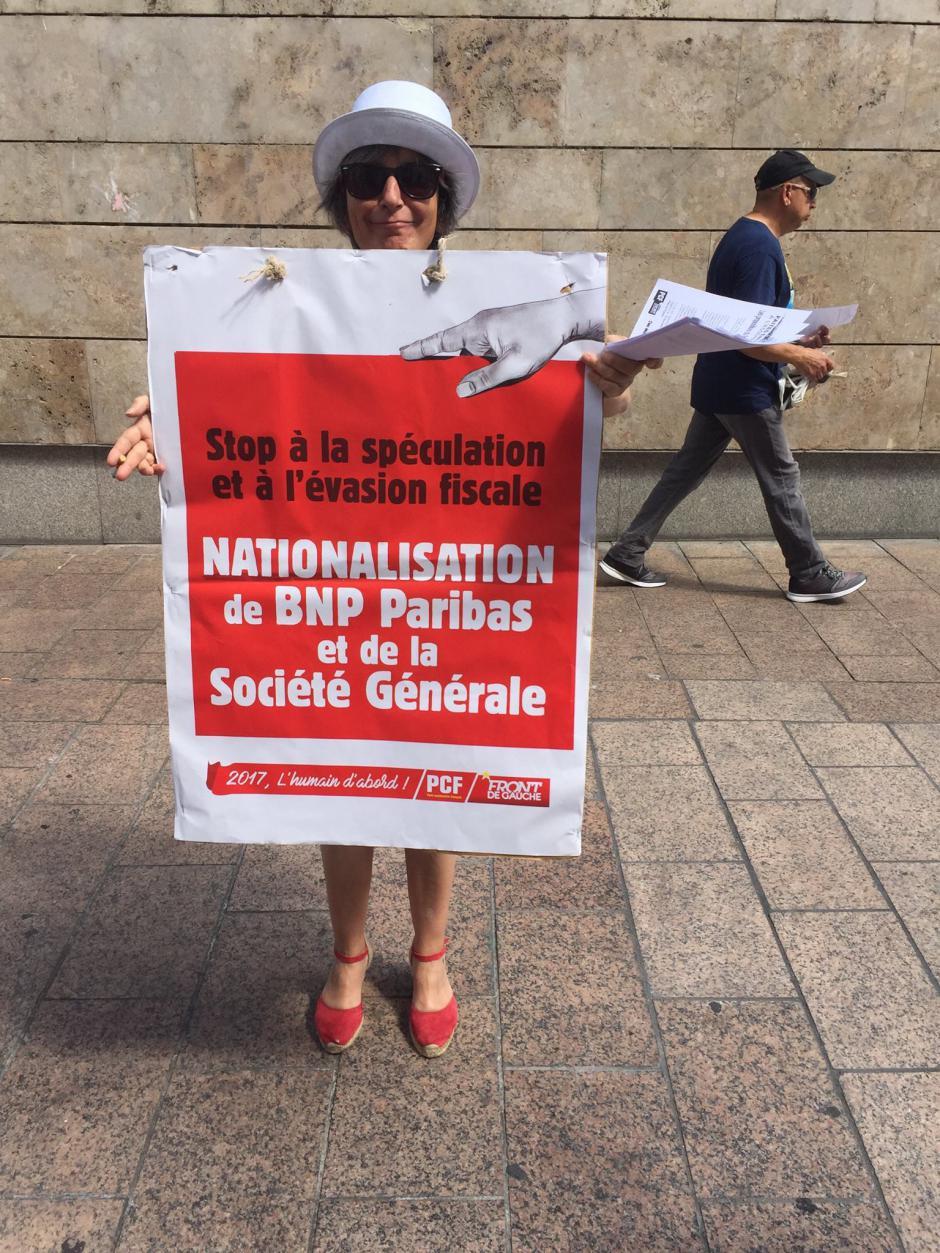 Les candidats communistes/Front de Gauche manifestent et proposent contre l'évasion fiscale