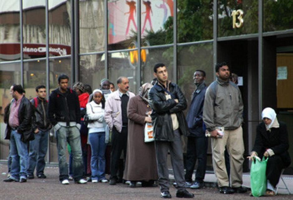 Immigration. Défense des sans-papiers : le Préfet mis en cause
