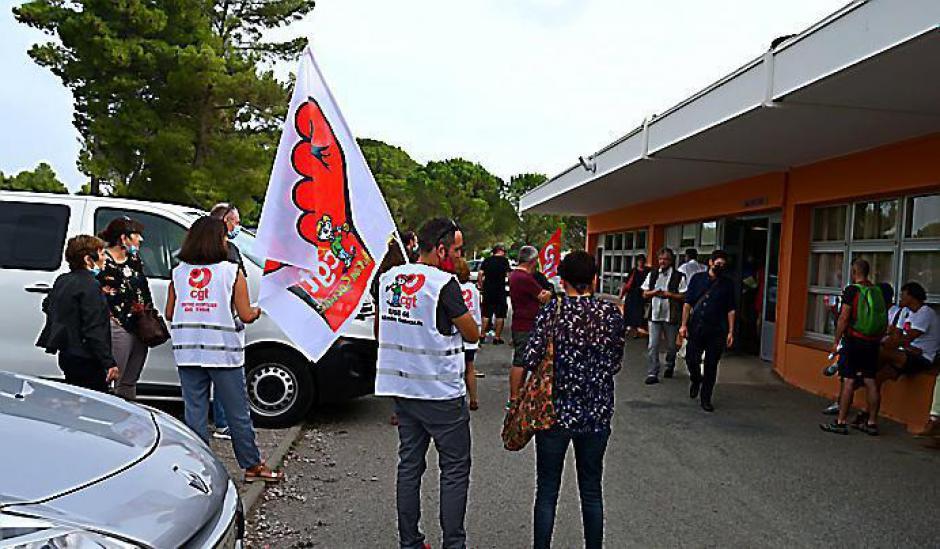 Thuir. Rassemblement à l'appel de la CGT devant l'hôpital hier matin (L'indep)