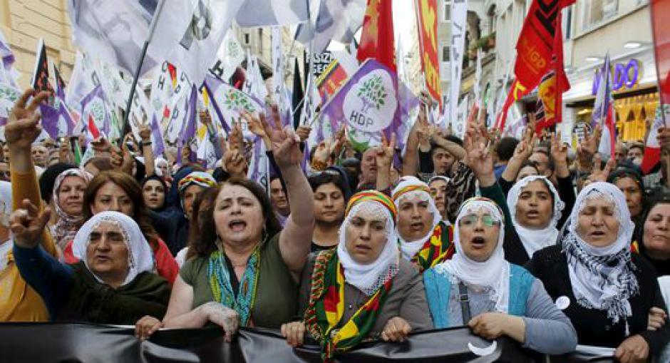 Rassemblement de solidarité avec le peuple kurde
