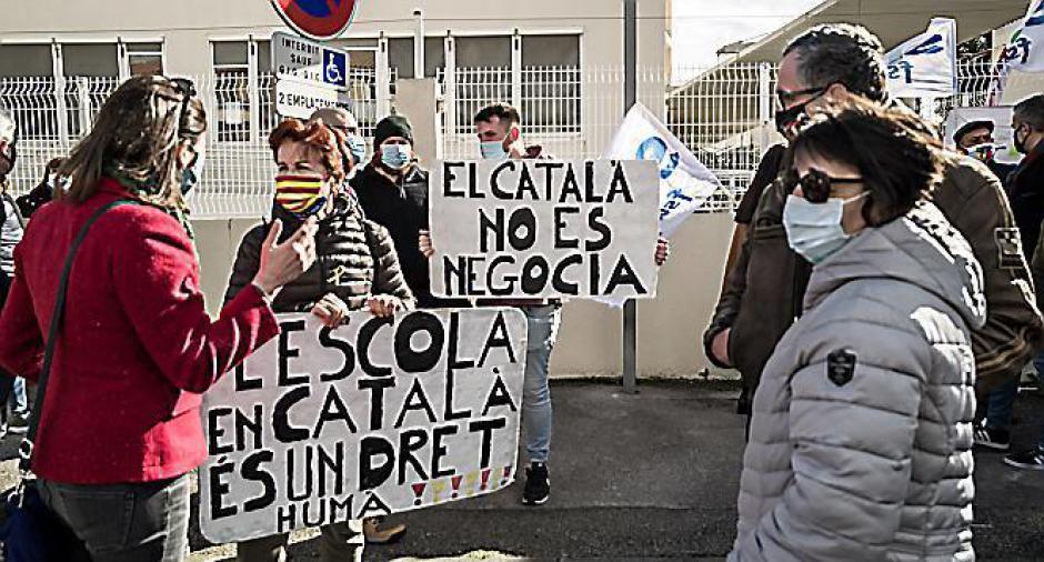 Catalan à l'école. Ils exigent le respect d'une circulaire (L'Indep)