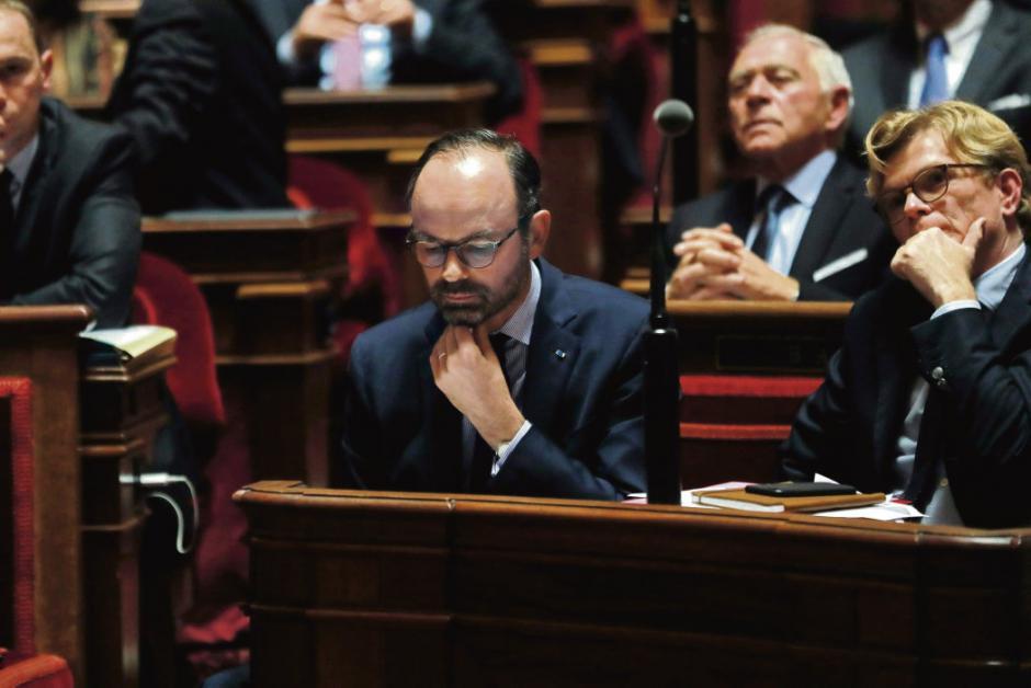 Gilets Jaunes. Un chef de l'Etat isolé, une majorité affolée