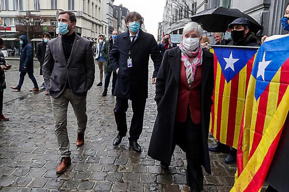 Catalogne. Privés d'immunités, les élus catalans contre-attaquent depuis Bruxelles (L'Indep)