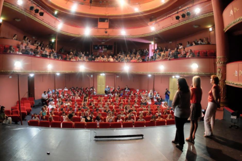 Théâtre Municipal de Perpignan. Le Maire doit renoncer à son projet