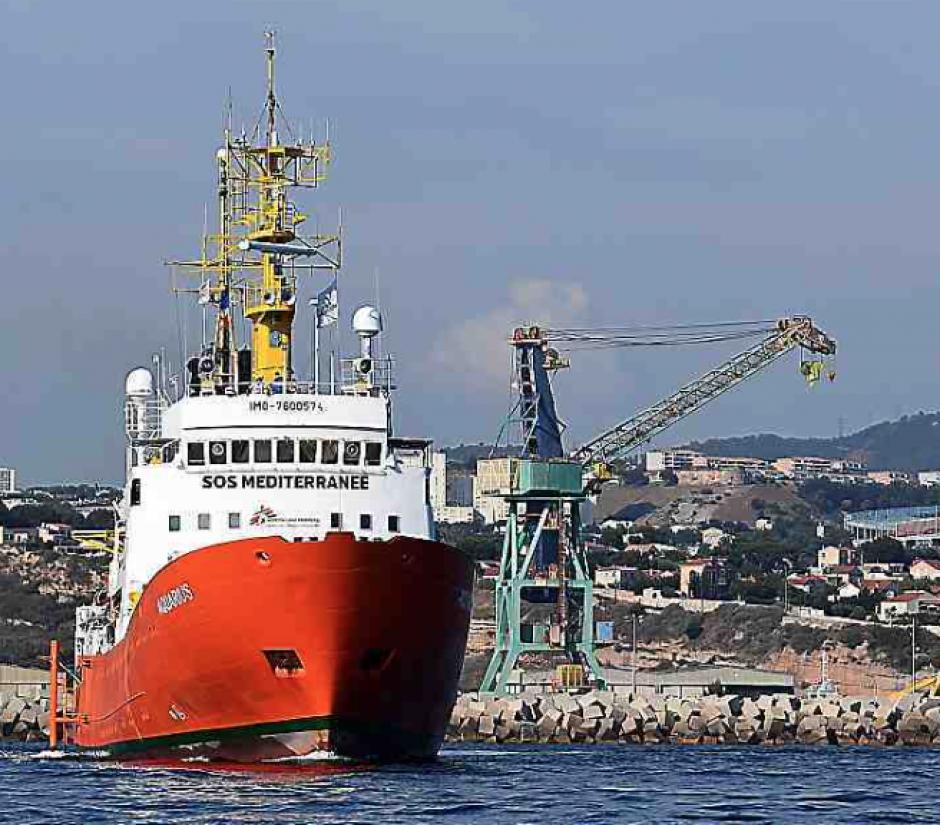 Le port de Sète propose d'accueillir l'Aquarius. L'Élysée botte en touche