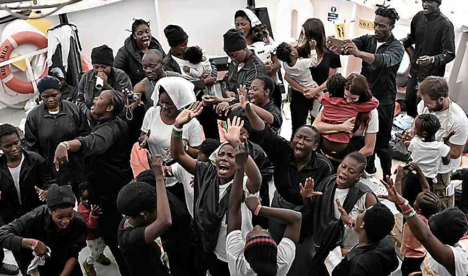 Espagne. L'Aquarius accoste à Valence, fin du calvaire pour 635 migrants