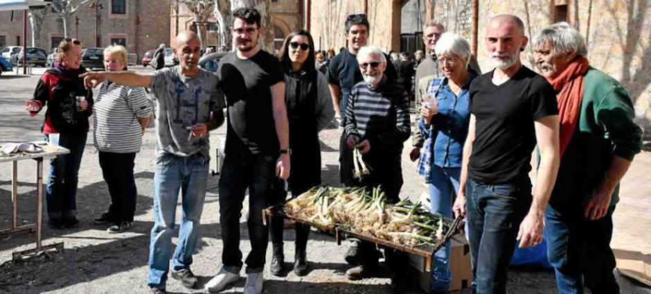 Alénya. La « calçotada » solidaire des sans-papiers déplace les foules