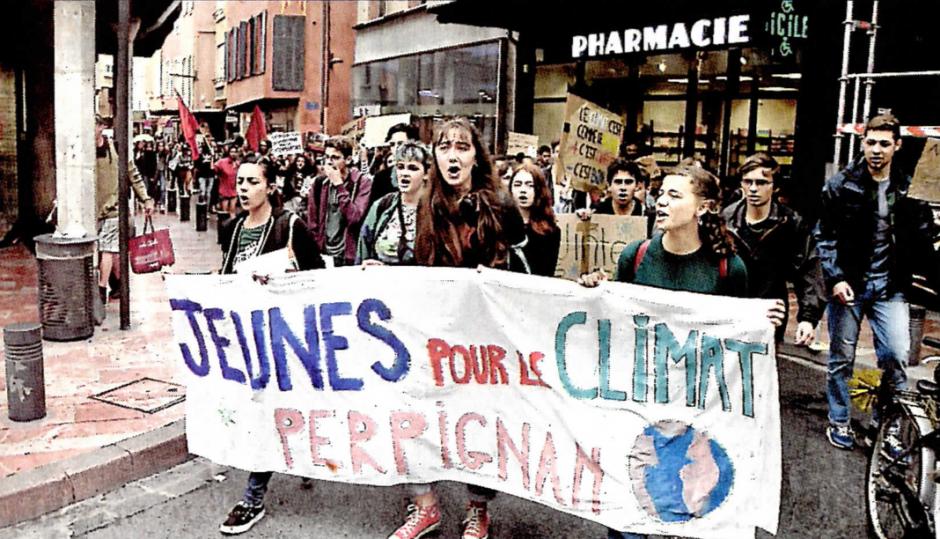 Climat. Une centaine de jeunes dans la rue