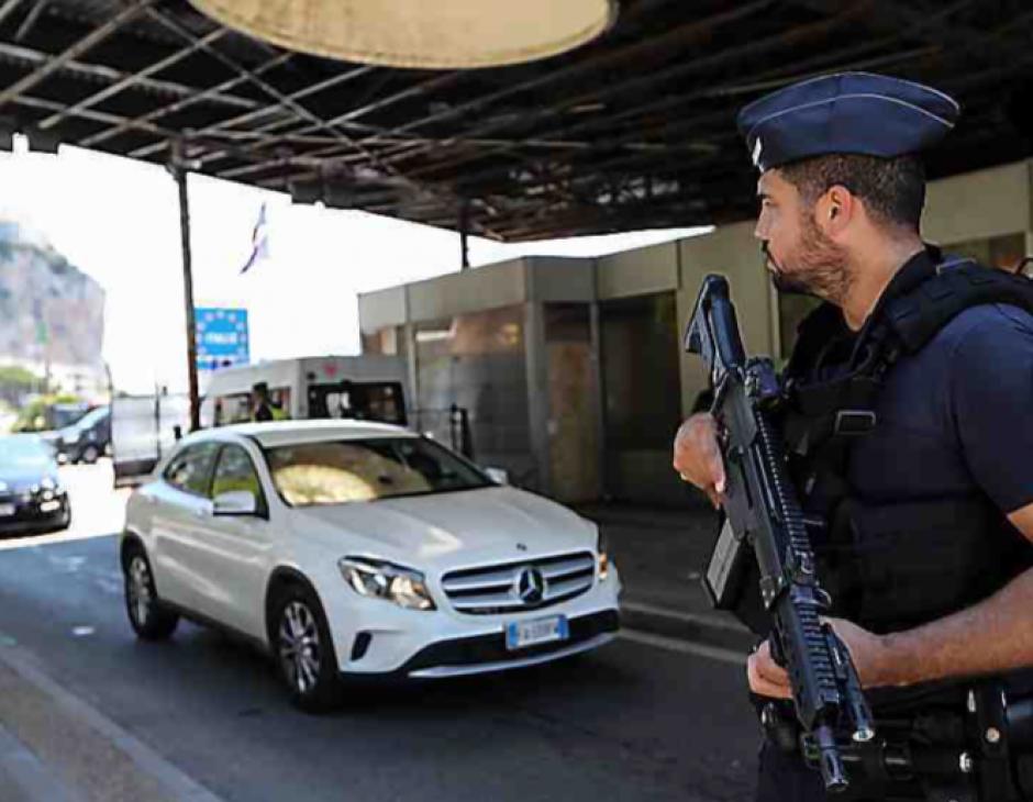 Condamné pour avoir pris deux sans papiers entre Paris et Rome