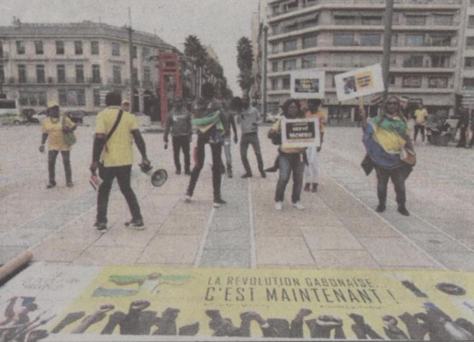 Mobilisation contre Ali Bongo sur la place de Catalogne