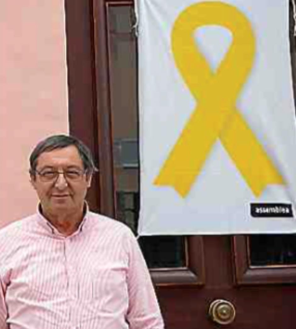 Coustouges. « Llaç groc » : Le maire Michel Anrigo s'engage