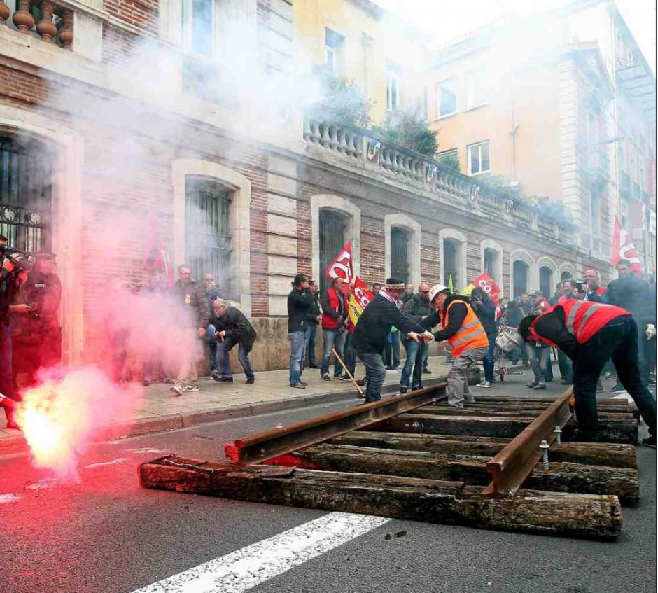 « Faisons dérailler Macron »