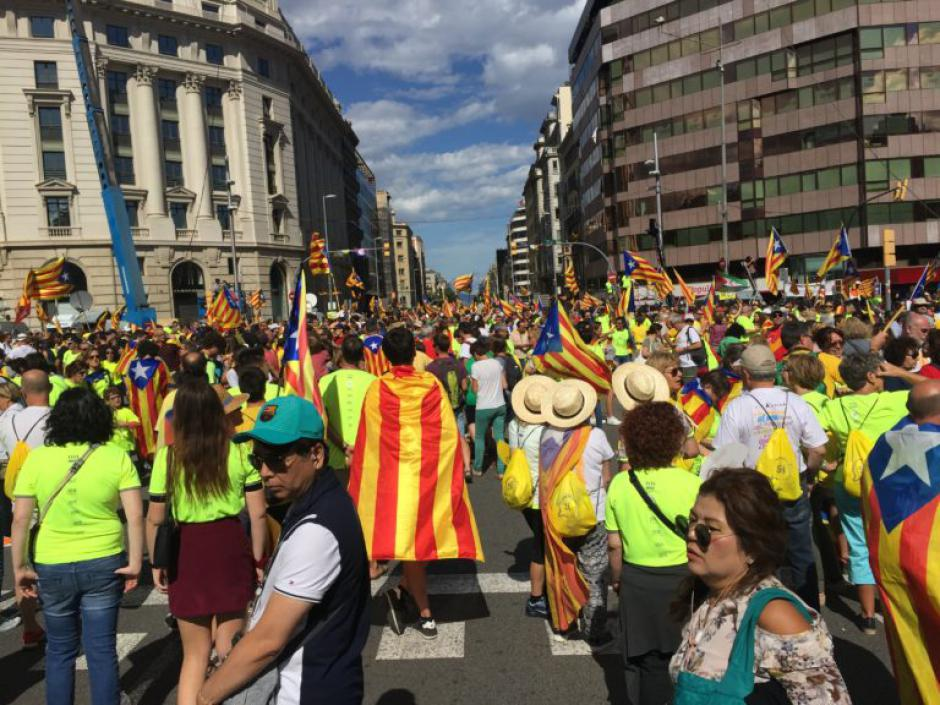 Alors que l'État espagnol utilise des méthodes fascistes, la Diada est un succès pour le droit à décider !