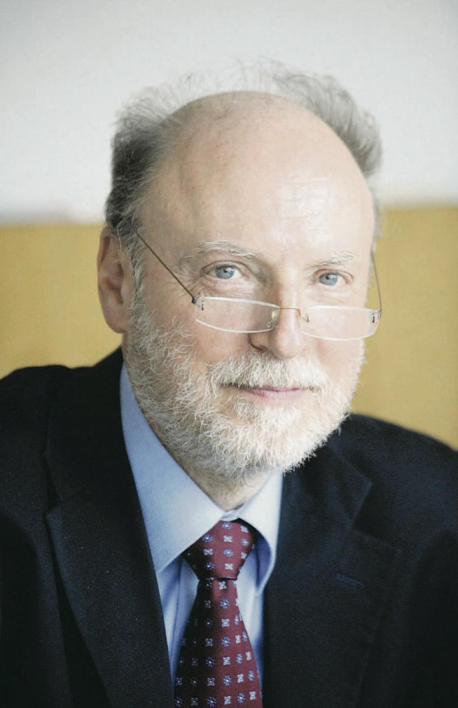 Francis Wurtz. « Face à la désintégration, la clé est la politisation des citoyens »