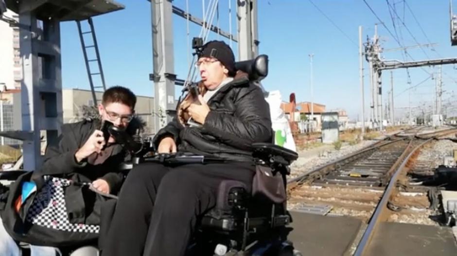 Un TGV bloqué pour dénoncer le manque d'accessibilité de la gare aux handicapés