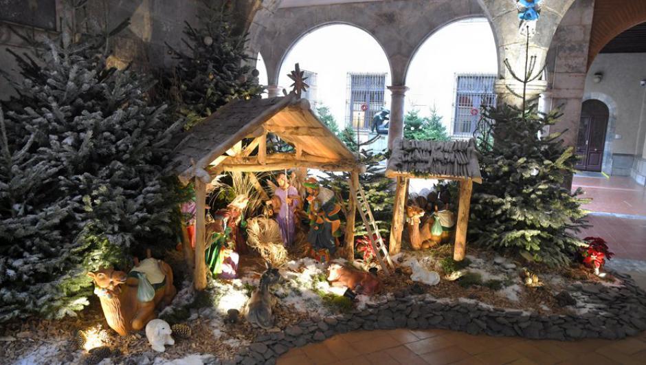 Perpignan. Crèche de Noël à la mairie