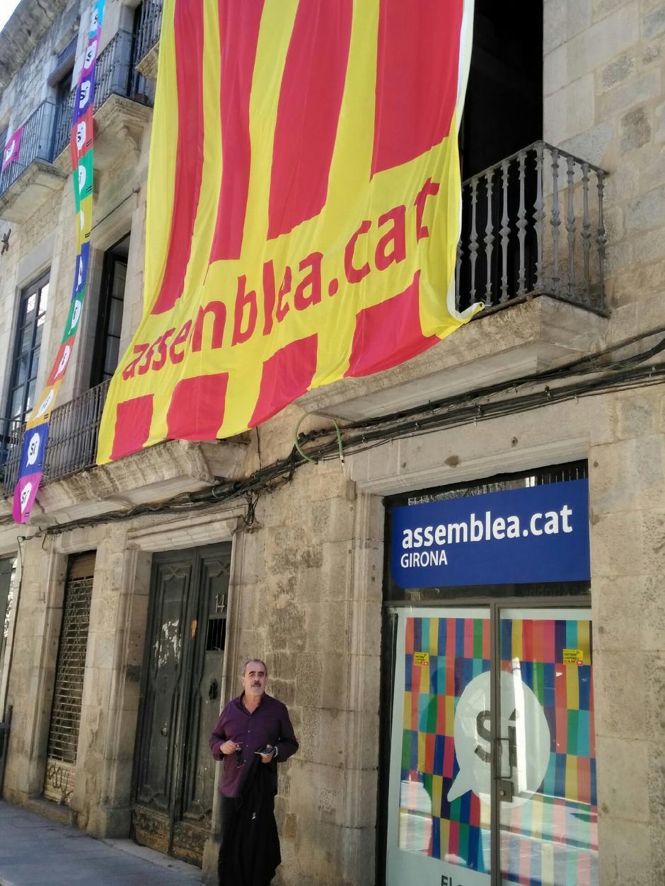 Dimanche 8 octobre. Barcelone submergée par des centaines de milliers d'«  unionistes » espagnols