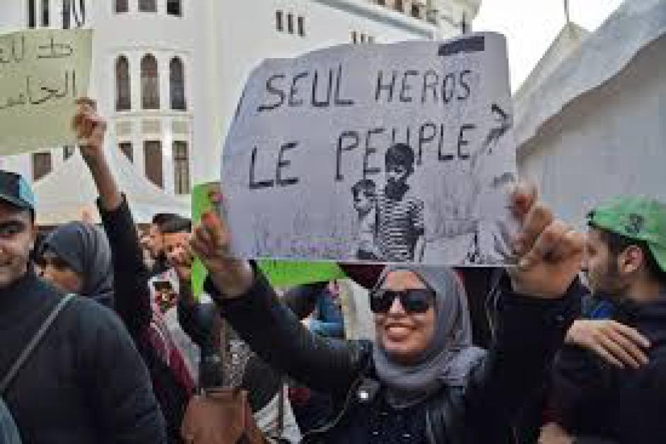 Algérie. « il prolonge son mandat, on prolonge notre combat »