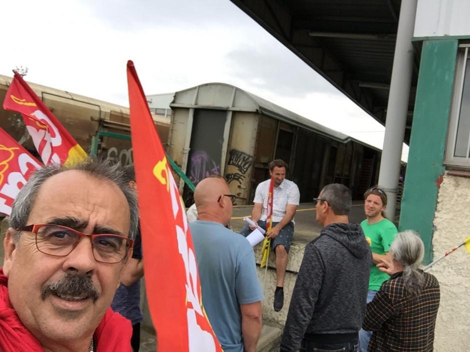 Nicolas Garcia avec les cheminots défense train « primeurs » pour Rungis