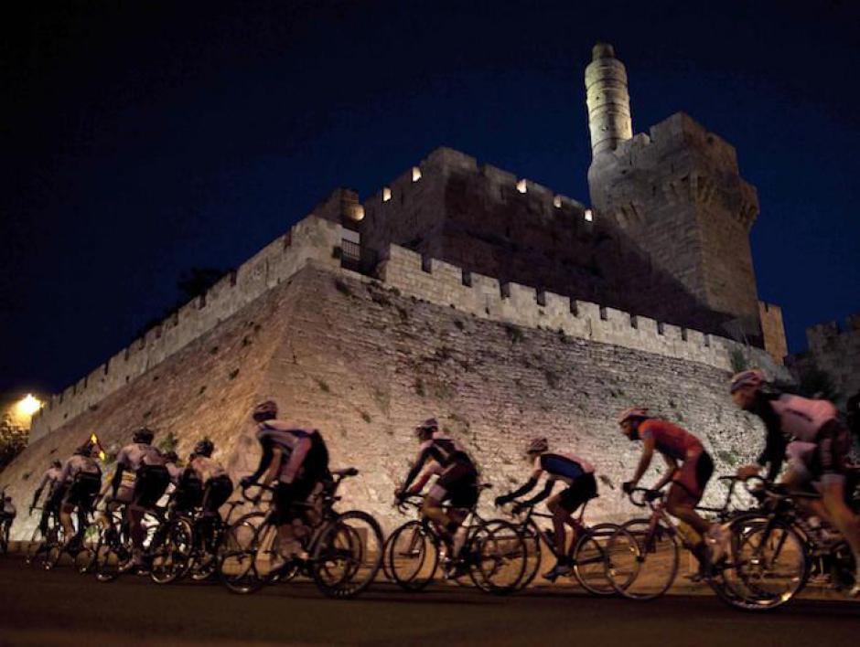 Manifestation à vélo contre le départ du tour d'Italie de Jérusalem