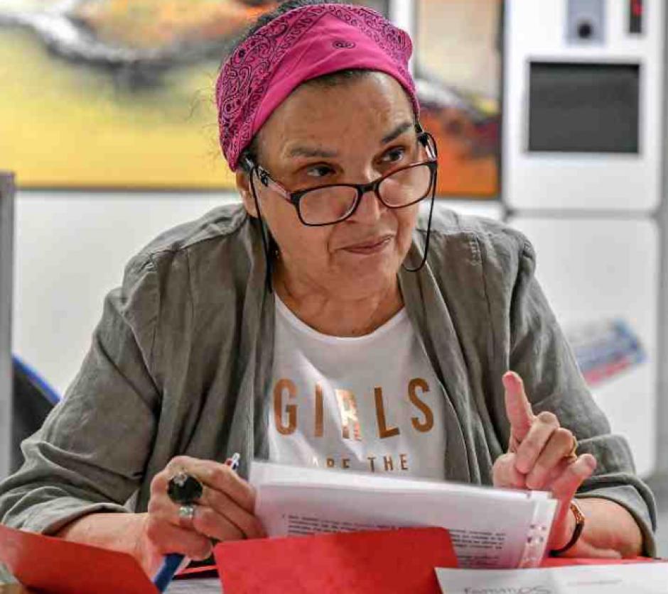 Femmes solidaires veut la peau des cartes postales sexistes