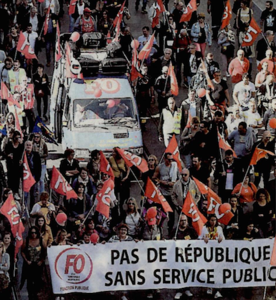 Des dizaines de milliers de fonctionnaire dans la rue