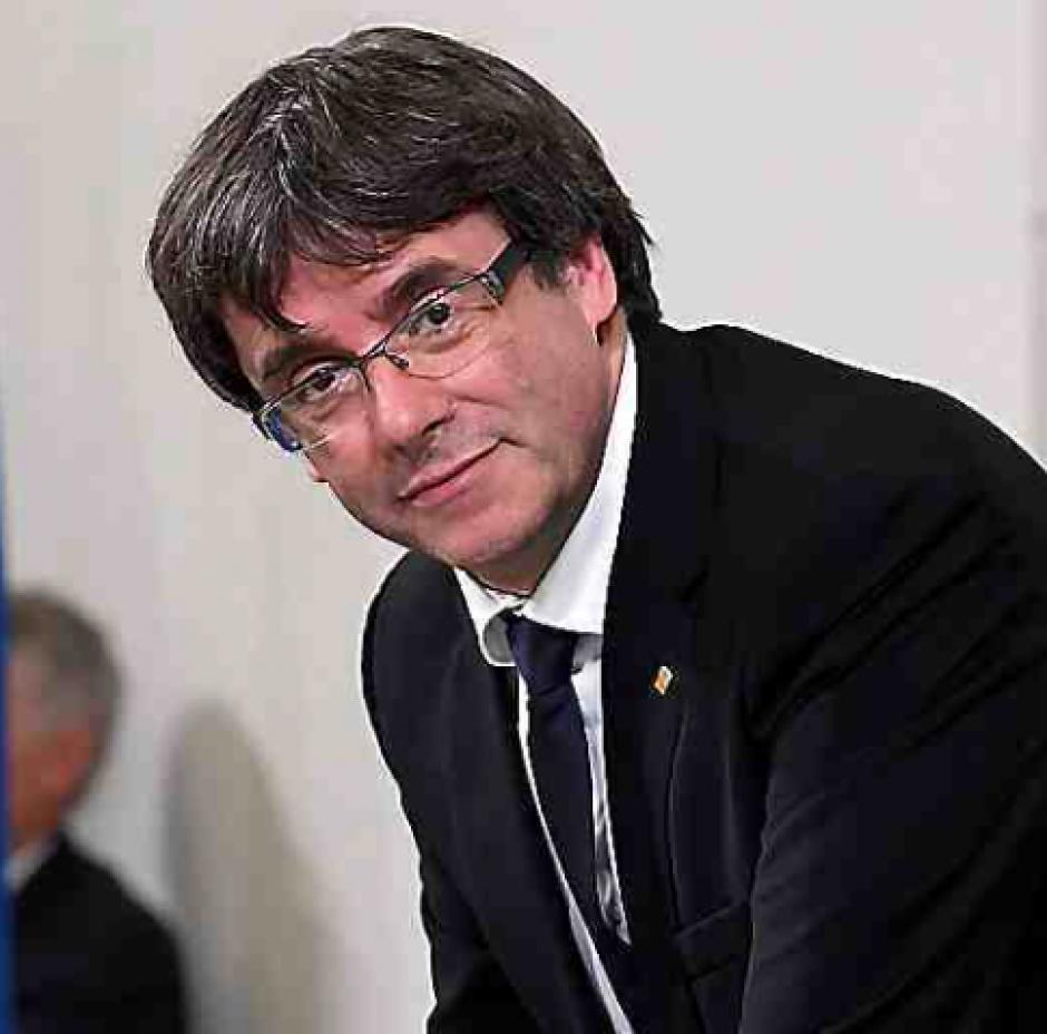 Le retrait de Puigdemont ne règle pas la crise avec Madrid