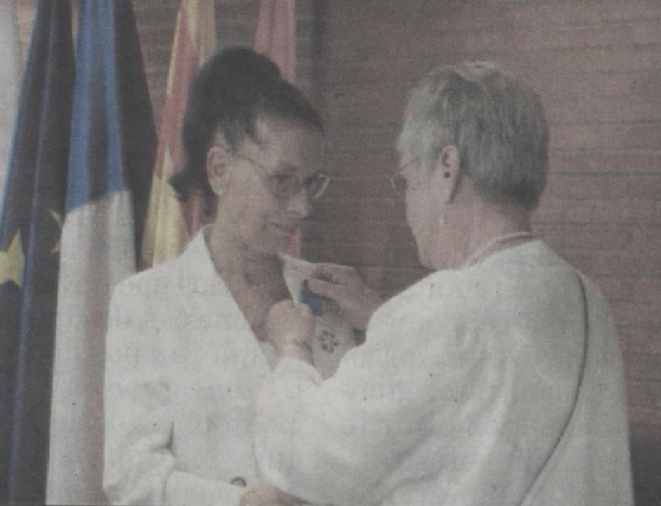 Une émouvante décoration. Nicole Rey, Chevalier dans l'Ordre national du Mérite