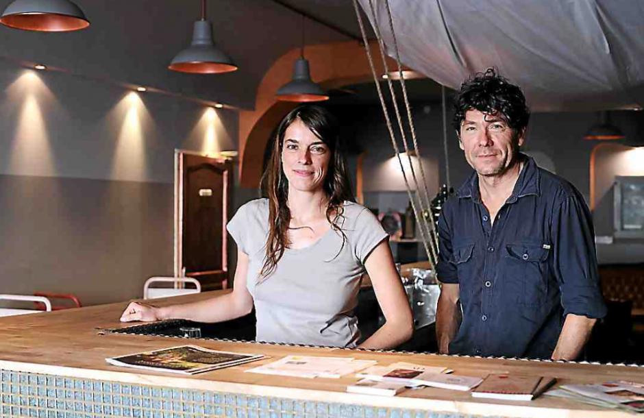 Inauguration du « bar alternatif » d'Hélène et Philippe