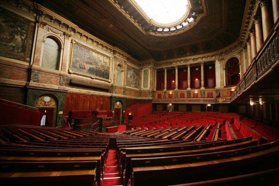 Communiqué des parlementaires communistes. Nous n'irons pas à Versailles tenir congrès