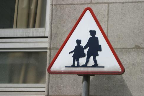 Contrats aidés : stop à leur suppression, exigeons leur sécurisation