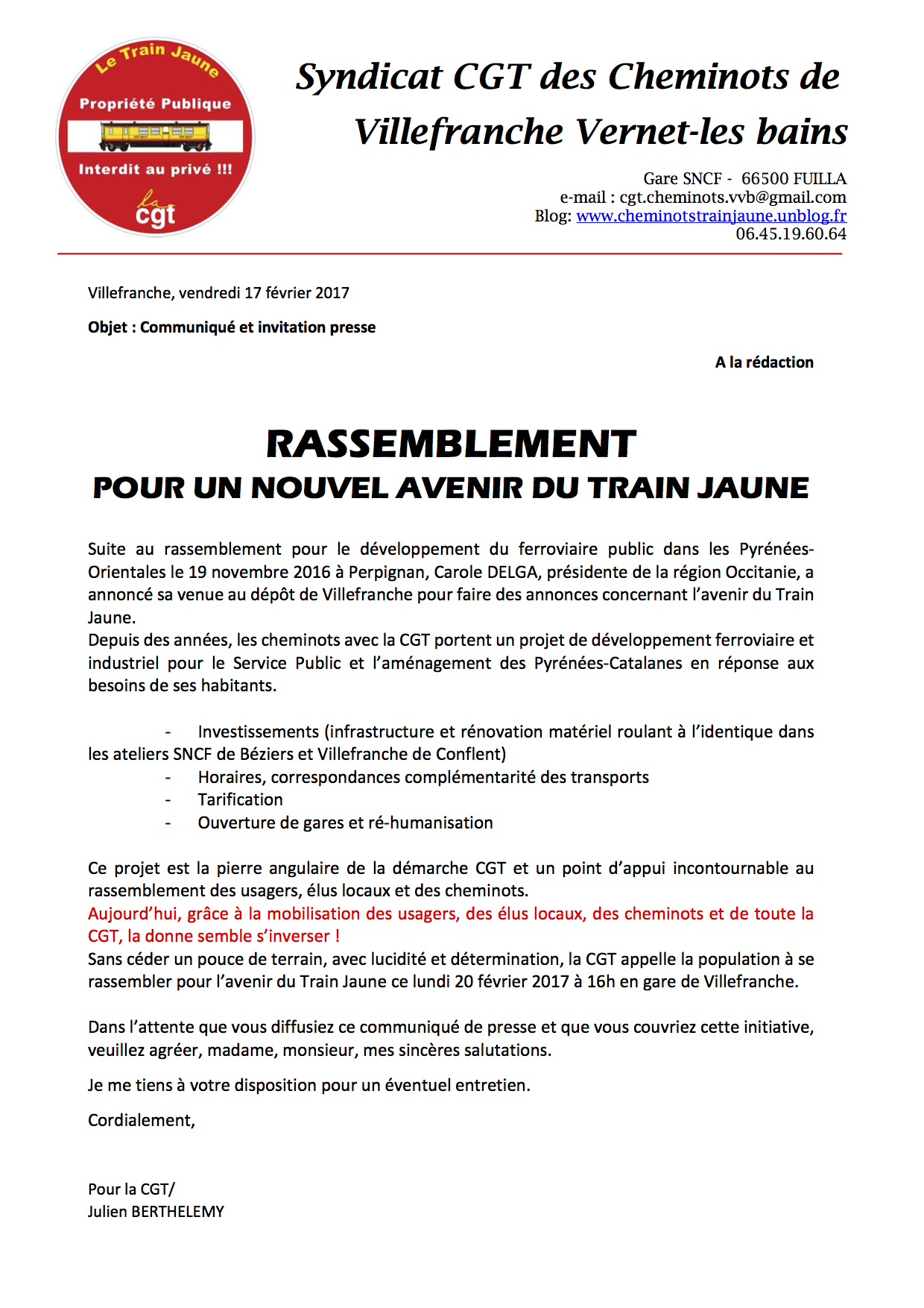 Train Jaune Rassemblement Devant La Gare De Villefranche Pcf Fr